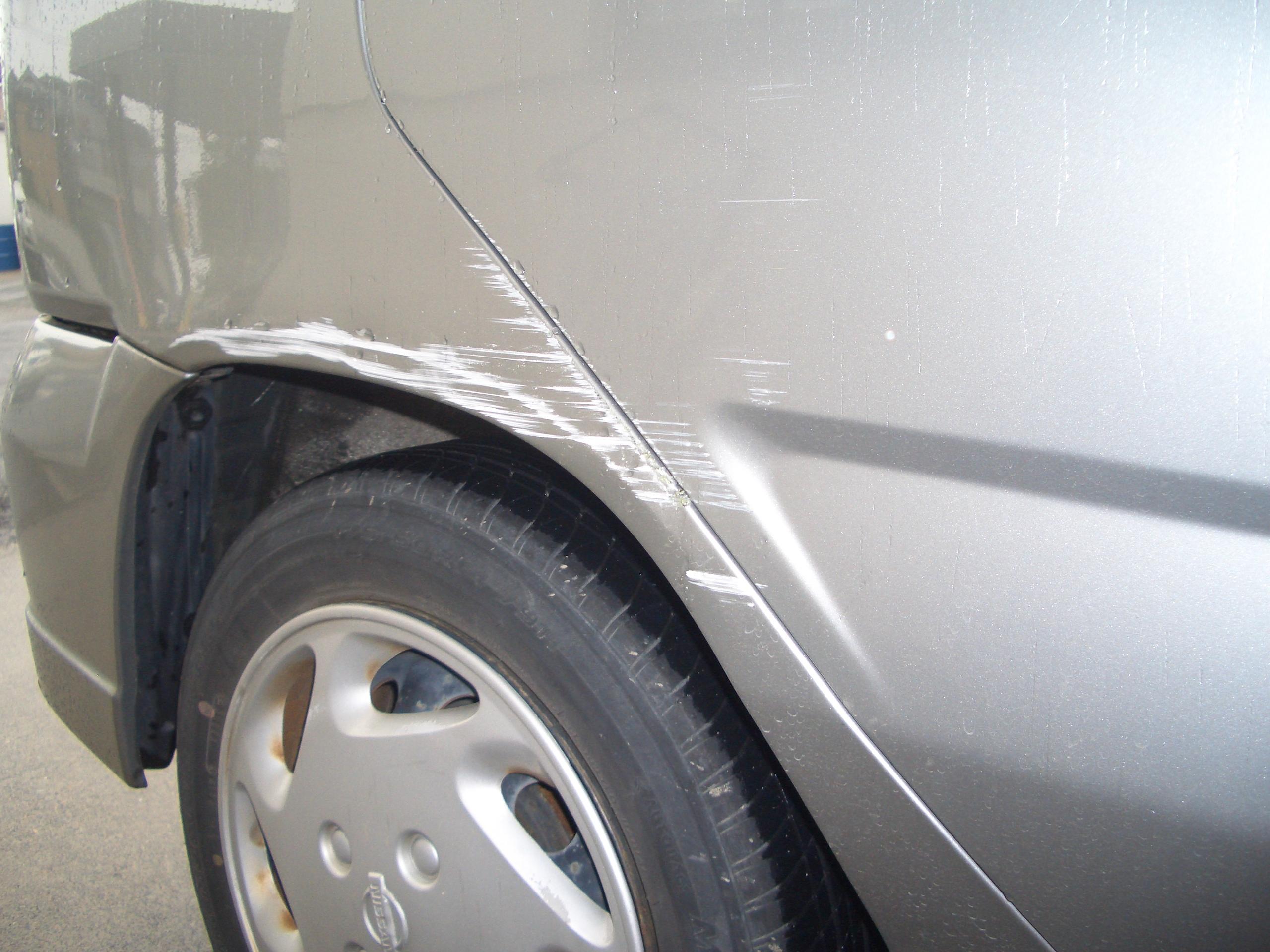 車のドアなどについたキズを修理。事前にチェックすべきこと/車検のコバック越谷店